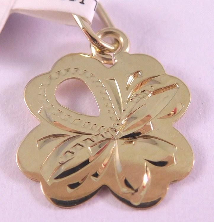 Zlatý gravírovaný přívěsek - čtyřlístek pro štěstí 585/0,47gr 3220201 (3220201 - POŠTOV