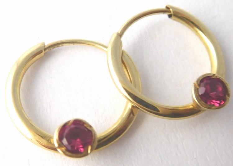 Zlaté kruhy s červenými rubínky průměr 11mm 585/0,45gr T241 ( )