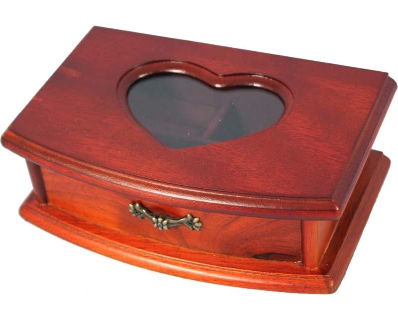 Dřevěná šperkovnice s proskleným srdcem 50507/2739