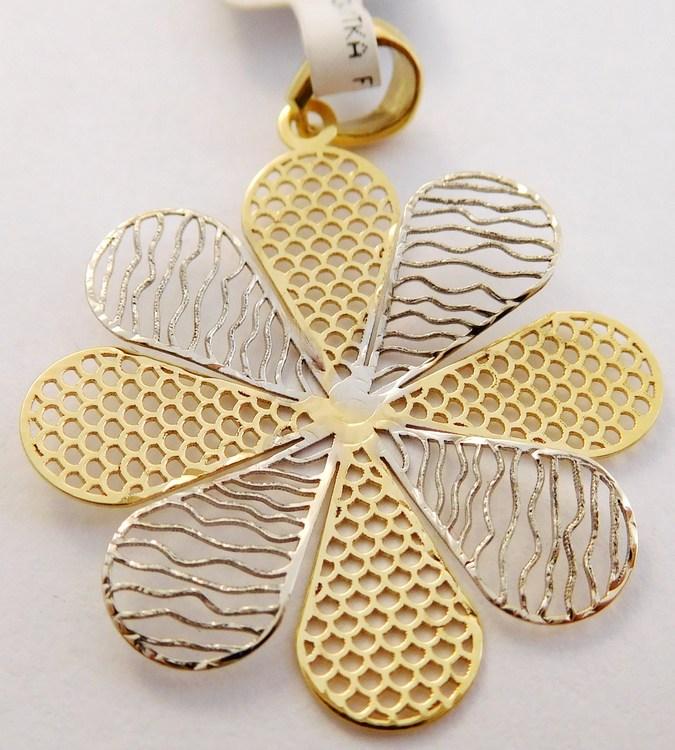 Velký zlatý přívěsek -kytička pro štěstí (bílé a žluté zlato) 585/0,97gr 1121198 (1121198 - POŠTOVNÉ ZDARMA!!)