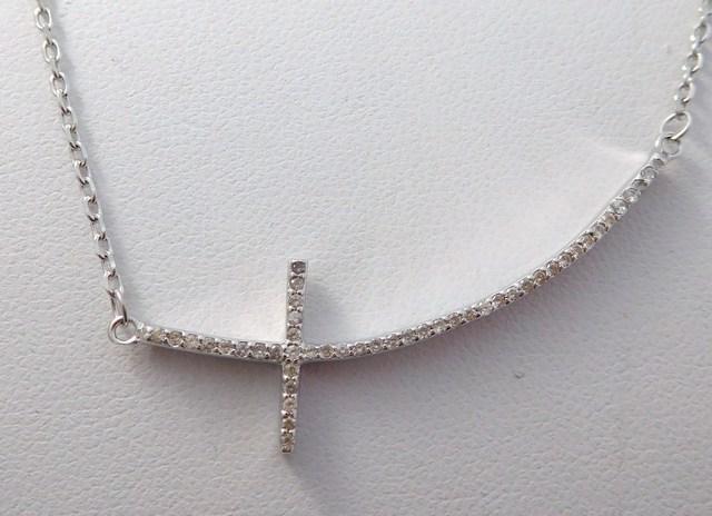 Dámský stříbrný řetízek s přívěškem křížek se zirkony F308