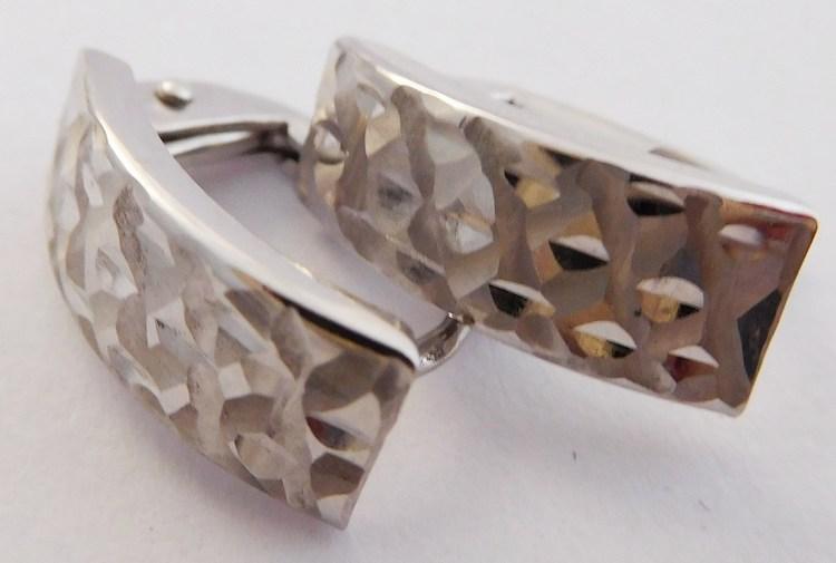 Gravírované čtvrtkroužky - náušnice z bílého zlata 585/1,25gr 1182090 (1182090 - POŠTOVNÉ ZDARMA)