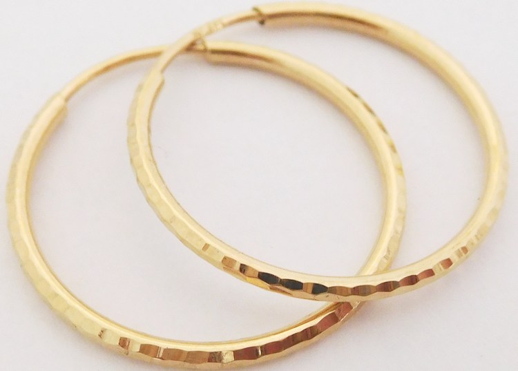 Zlaté velké gravírované kruhy ze žlutého zlata průměr 23mm 585/0,97gr H892