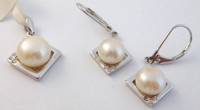 Stříbrná souprava se zirkony a syntetickou perlou F331