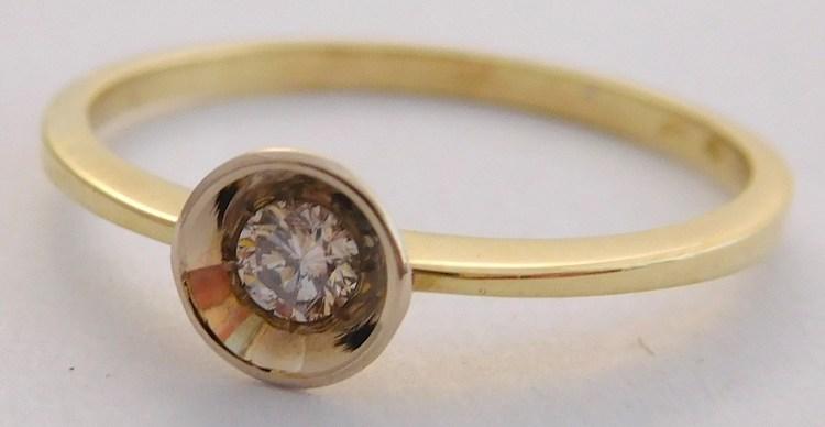 Zásnubní zlatý diamantový prsten s diamantem vel. 57 585/1,49gr 17-01 205 (17-01 205 - POŠTOVNÉ ZDARMA!!! SKLADEM IHNED ODESÍLÁME!!)