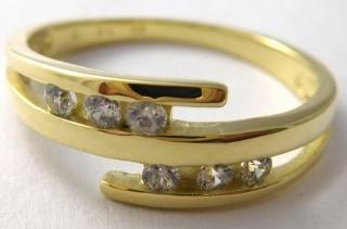 095b9d6e9 Mohutný zlatý prsten se šesti čirými zirkony 585/3,05gr vel.57 223041211